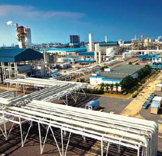 Oil refinery feasibility study